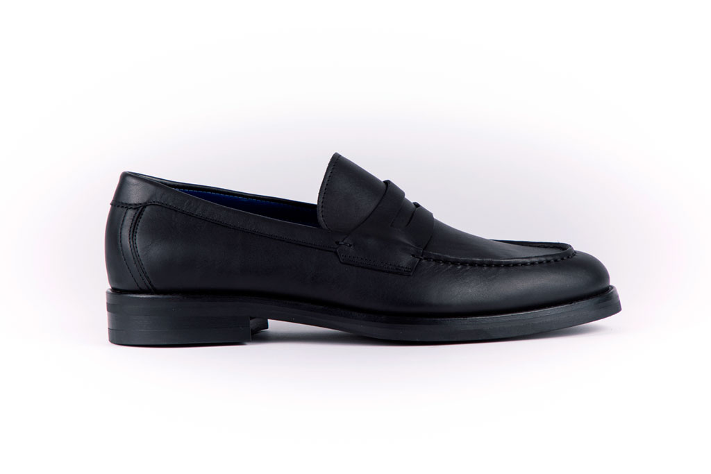 Mac-Eon-Black-Leather-A